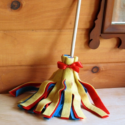 cutest little felt broom craft!
