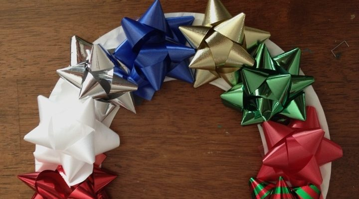 Simple Advent Activity: Paper Plate Bow Wreaths
