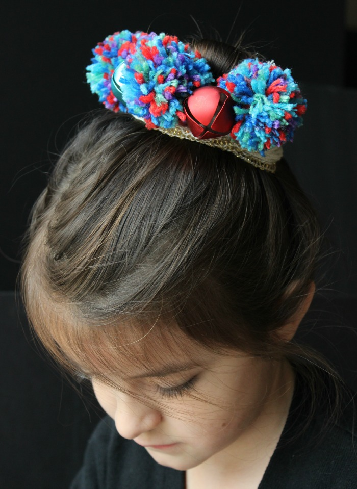 How to make a pom pom crown