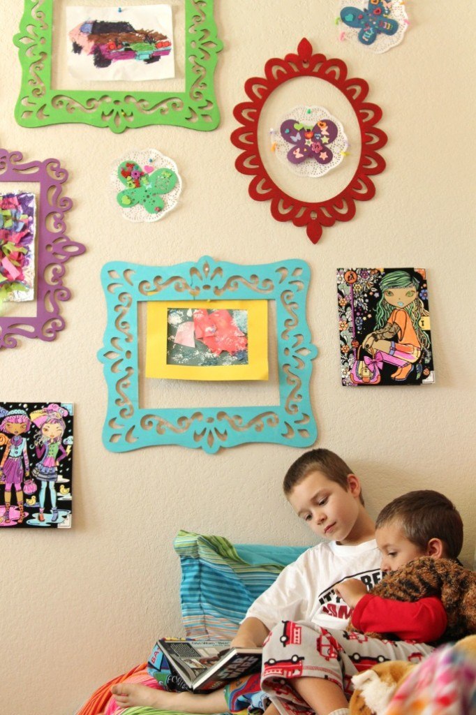 Inexpensive gallery wall to display kids artwork