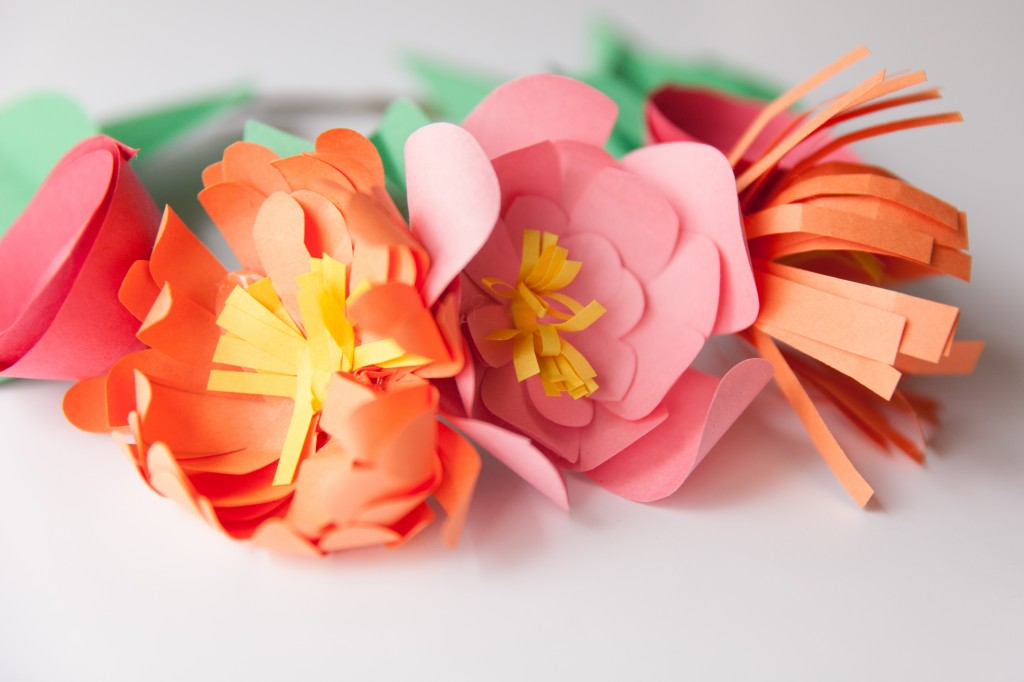 these paper flower crowns are amazing!! I want to make a dozen