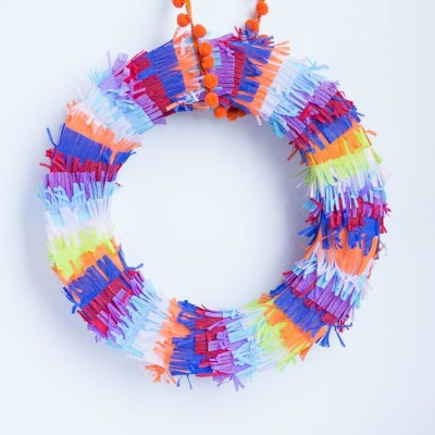 DIY Cinco de Mayo Decorations: Fiesta Fringe Piñata Wreath