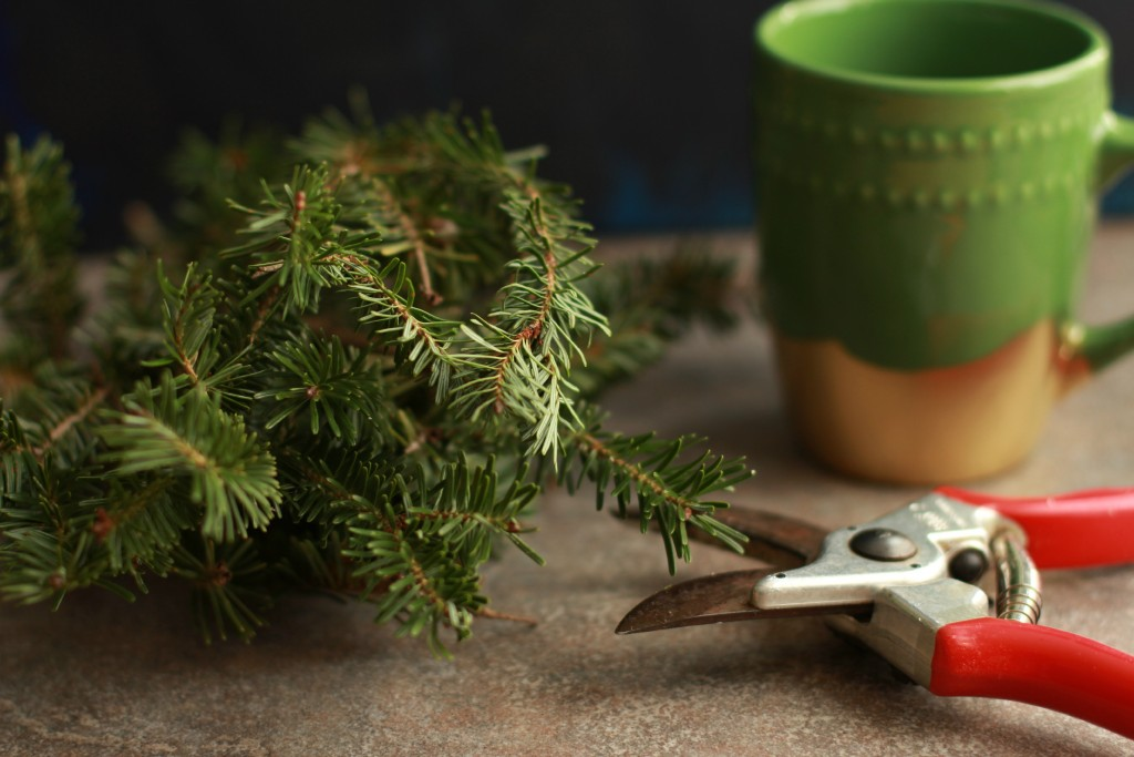 cut trimmings to decorate your holiday mug