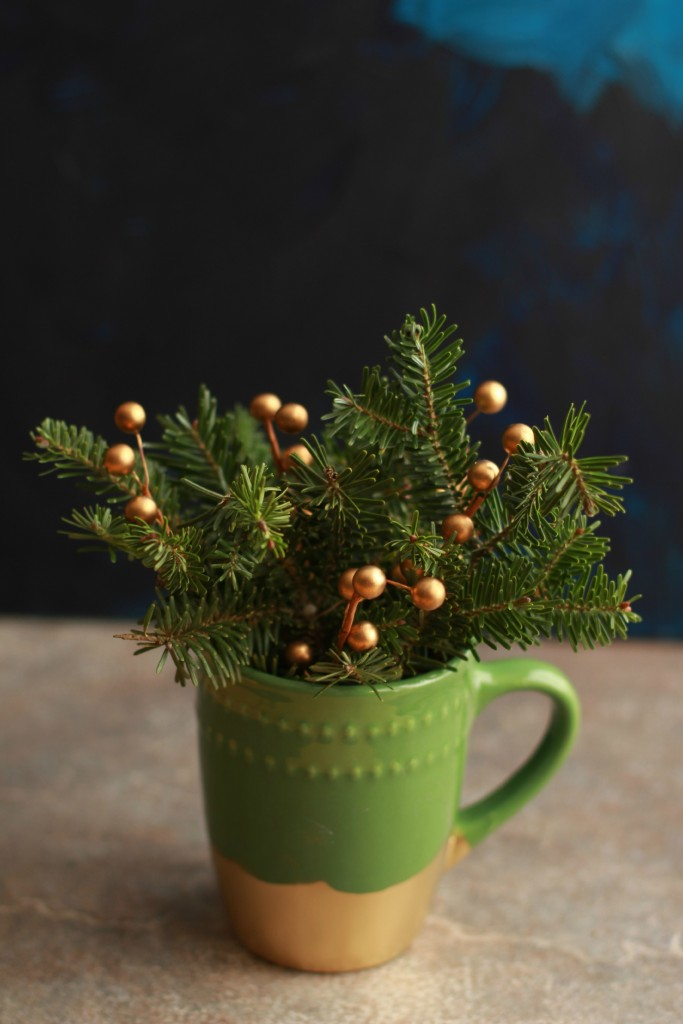 DIY Gilded Holiday Mug- a simple, inexpensive handmade gift idea you can make in less than 30 minutes