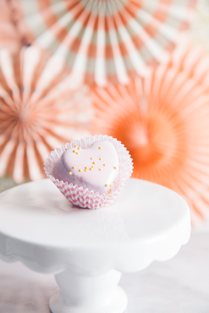 Oh how sweet, use a box brownie mix to make gorgeous petit four favors for Valentines