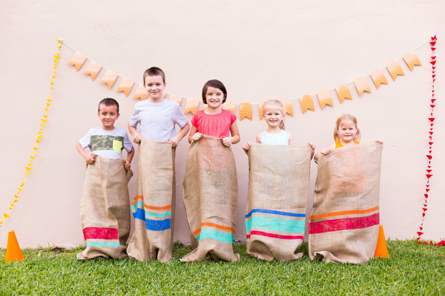 Have you ever done a potato sack race with your family? Funnest thing ever, lots of other field day games and activities in this post