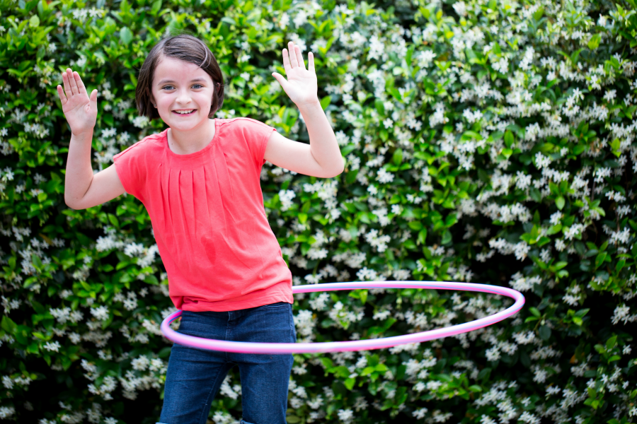 Outdoor games for kids: don't forget the hula hoop!